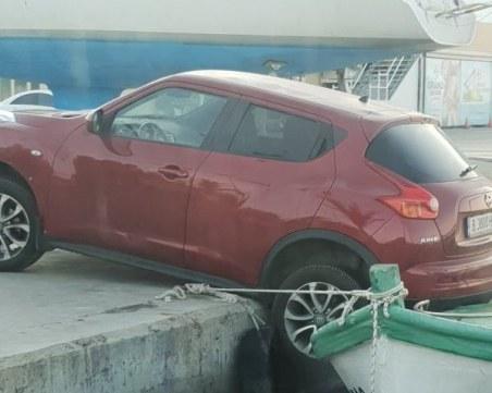 Плеймейтката Нора Недкова заби колата си в морето след купон в Свети Влас