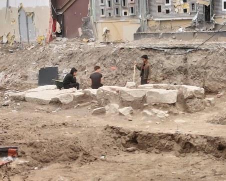 Древно гробище и жилищен квартал откриха археолози в центъра на Пловдив