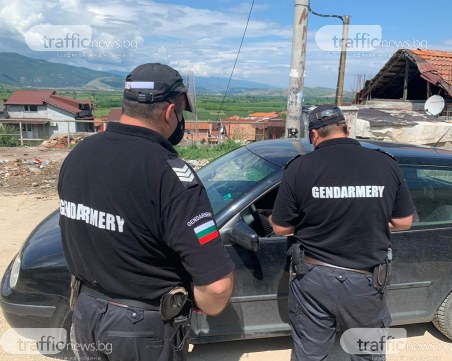 Ромите в Перущица: Искаме да излизаме до центъра и да работим, няма какво да ядем