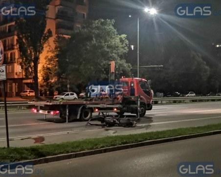 Моторист блъсна пешеходка, двама загинаха