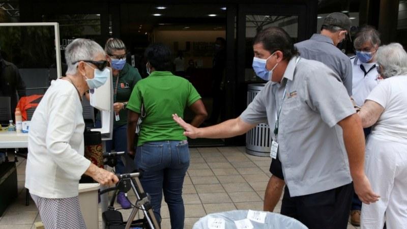 Заразените с коронавирус по света вече са над 9 милиона