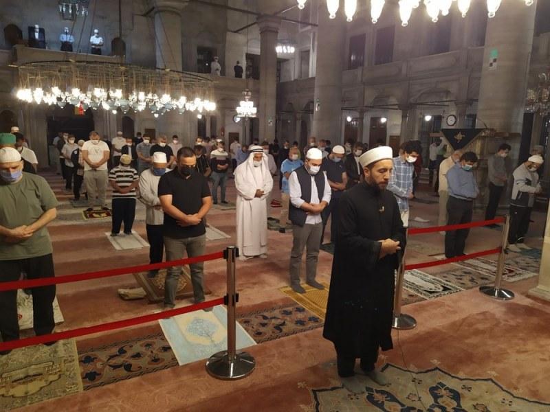 След 3 месеца: Отвориха за молитва джамиите в Турция