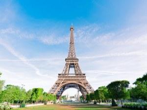 Отварят Айфеловата кула във Франция