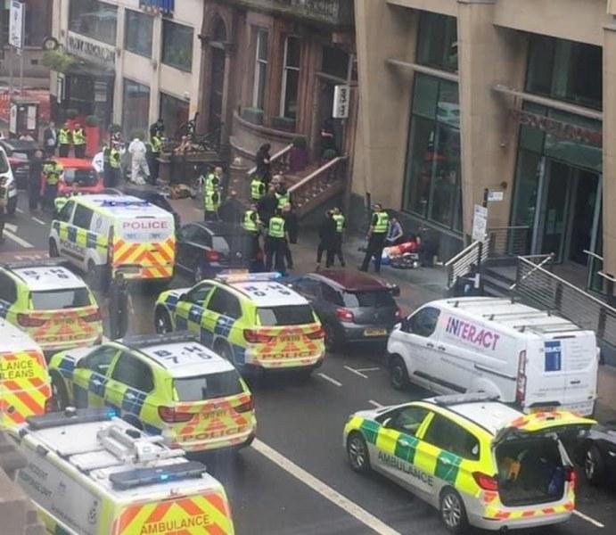 Атака с нож в хотел в Глазгоу, нападателят е убит