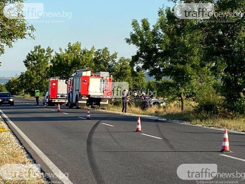 Мъж се блъсна в дърво край Пловдив и загина на място