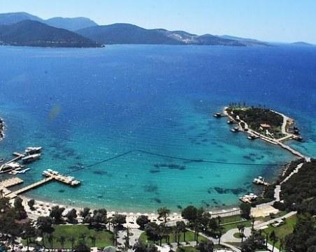 Дюнерът в Турция удари 43 паунда, 65 паунда за плуване в морето