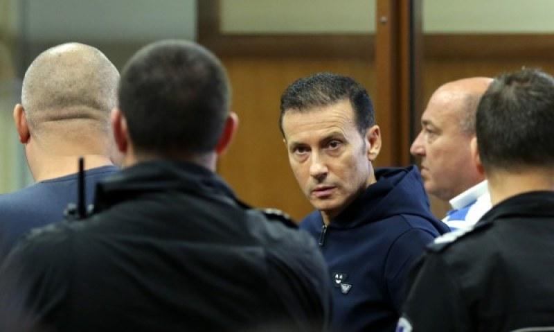Отнемат имуществото на Миню Стайков и сина му за над 137 милиона