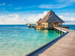 Малдивите отварят отново за туристи от 15 юли