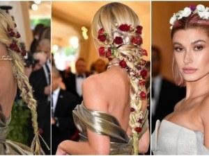 7 зашеметяващи прически с цветя в косите