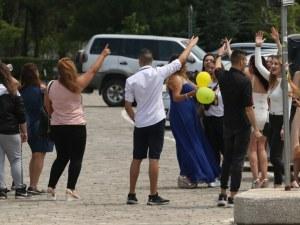 Расте броят на заразените абитуриенти и учители във Велико Търново