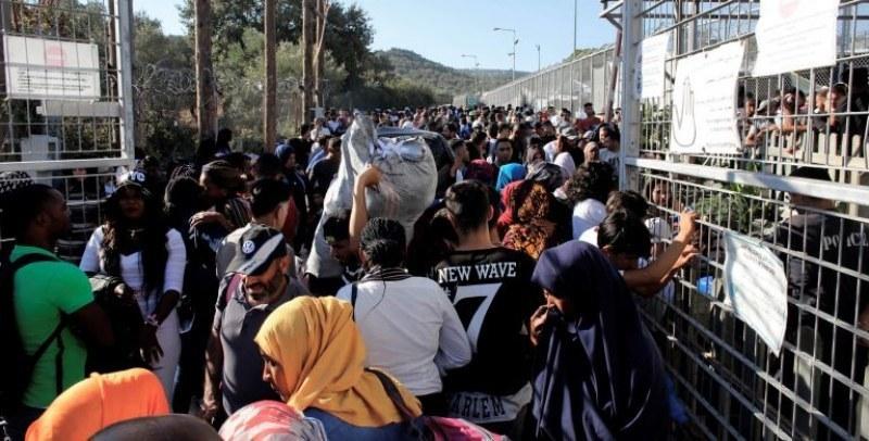 Двама българи в ареста, помогнали на 21 нелегални мигранти