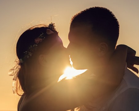 На този ден: Отбелязваме Световния ден на целувката