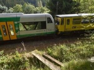 Два влака се удариха челно в Чехия, има жертви