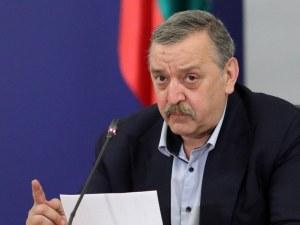 Проф. Кантарджиев: Ще държим нива около 200 заразени на ден, след седмица ще намалеят