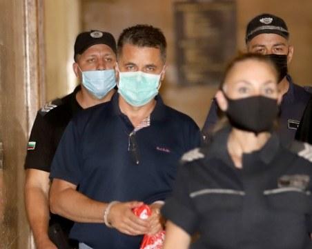 Колеги на задържания прокурор хулиган искат да го върнат в ареста