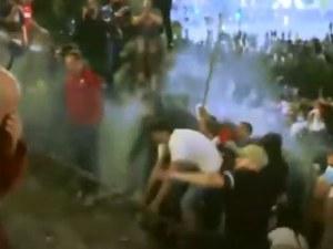 Над 40 полицаи са ранени при протестите заради коронавируса в Белград
