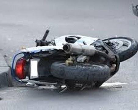 Пияно момиче се потроши с мотор край Пловдив