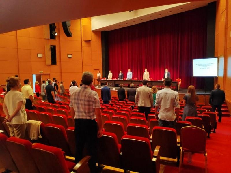 Пловдивските съветници си вдигнаха двойно заплатите, разделят си още по 500 хил. лева годишно