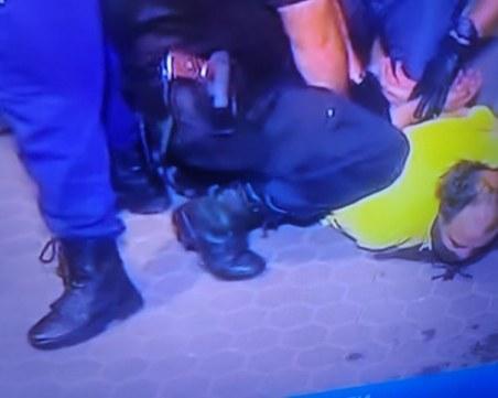 Отново напрежение сред протестиращите! Трима са арестувани