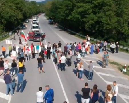 Протестиращи за близо 50 км разбира отсечка затвориха главния път Русе-Варна