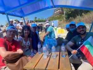 """Край Росенец: Активисти на """"Да, България"""", ДПС и плажуващи на една маса"""