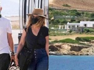 Том Ханкс и съпругата му на почивка в Гърция