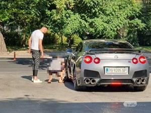 Арестуваха внука на Цар Киро пиян със спортната си кола