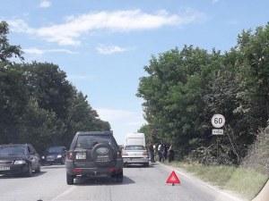 Две катастрофи затапиха Голямоконарско шосе