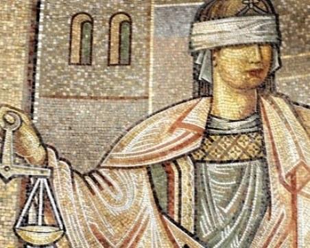 Съюзът на съдиите призова колегите си да не застават срещу гражданите