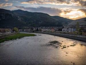 Кметът на Кричим разговаря с екоминистъра за река Въча