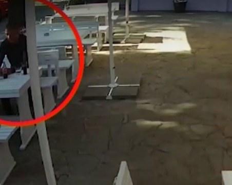 Мним служител на НАП пие без да плаща в Бургас, издирват го