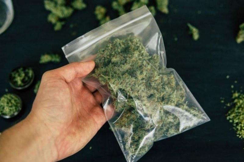 Четирима са арестувани с дрога в Пловдив, откриха марихуана и амфетамин