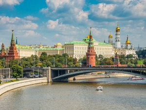Русия отмени задължителната карантина за всички пристигащи