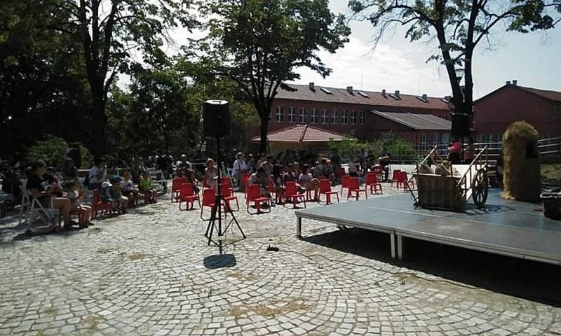 Кукленият театър обикаля парковете в Пловдив, кани децата на представления