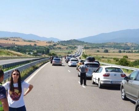 Гърция с нови мерки: Сезонните работници, които напуснат страната, няма да могат да се върнат