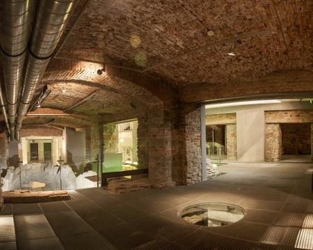 Отварят за туристи изумителната централна трибуна на Римския стадион под бившия Нармаг