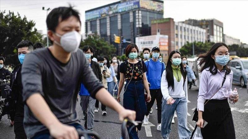 Виетнам затваря клубове и козметични салони! Северна Корея блокира град