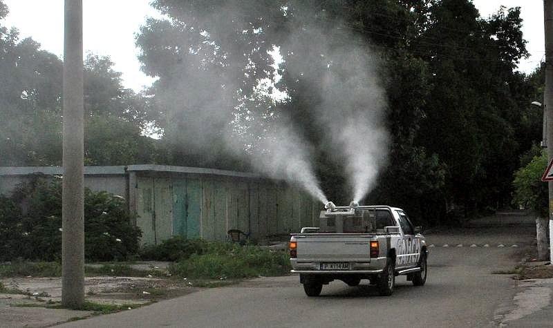 Пръскат срещу комари и кърлежи през целия август в Пловдив