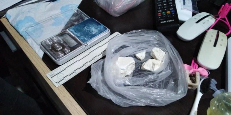 Пловдивската полиция спипа дилър с амфетамин и кокаин