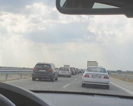 Катастрофа затвори магистралата край Пловдив! Движението се отбива