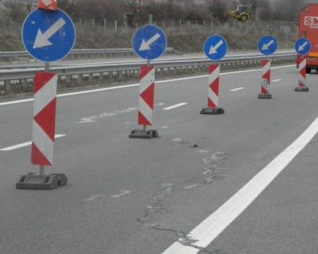 Ограничават движението в една лента по над 30 км от магистралата Тракия
