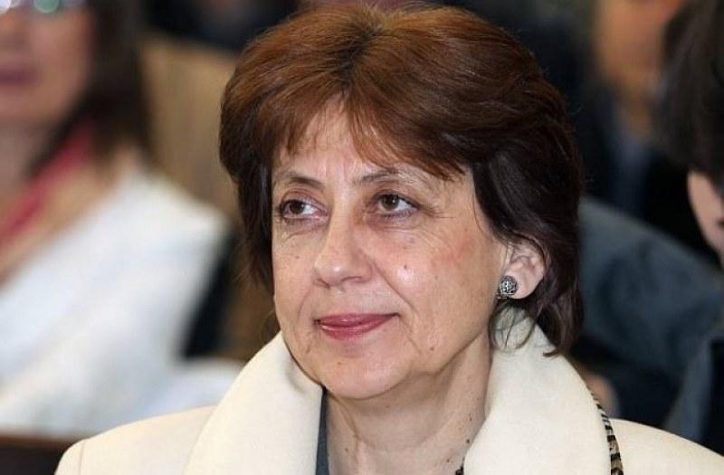 От Пирогов: Ренета Инджова съобщи, че е паднала! Полицията обяви, че има противоречиви данни