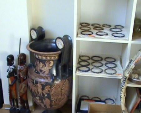 Още 175 антики иззеха от сградата на Божков
