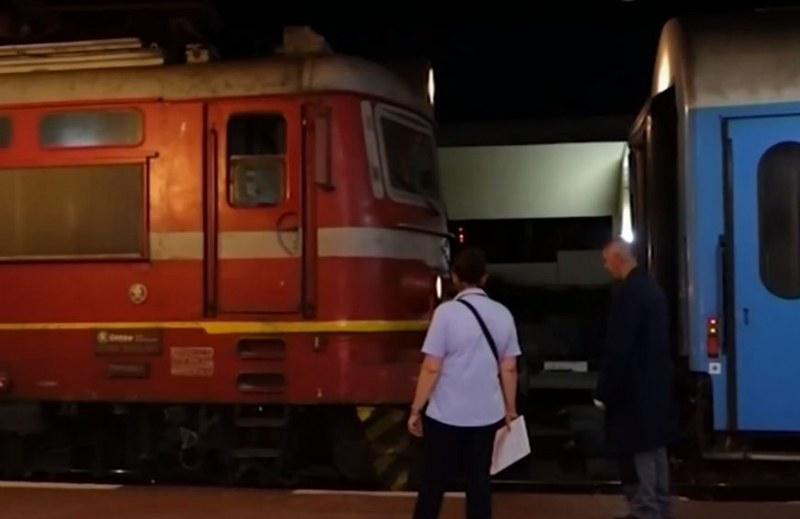 Млад мъж загина при катастрофа между влак и кола край Разград, сестра му е в кома