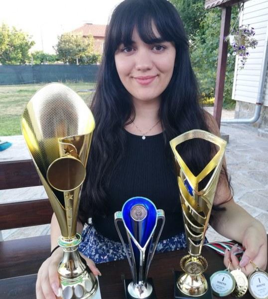 Вики Радева отново над всички, триумфира с 11-та титла от държавното първенство по шахмат
