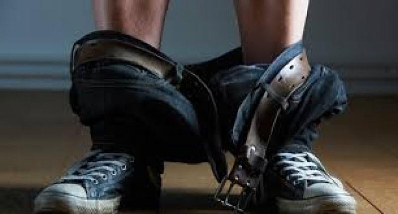 Вулгарно: Мъж си свали панталона на детска площадка в Кючука, оглежда майките и децата