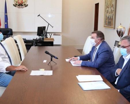 Борисов: Нито ще затваряме бизнес, нито хора – не е нужно извънредно положение