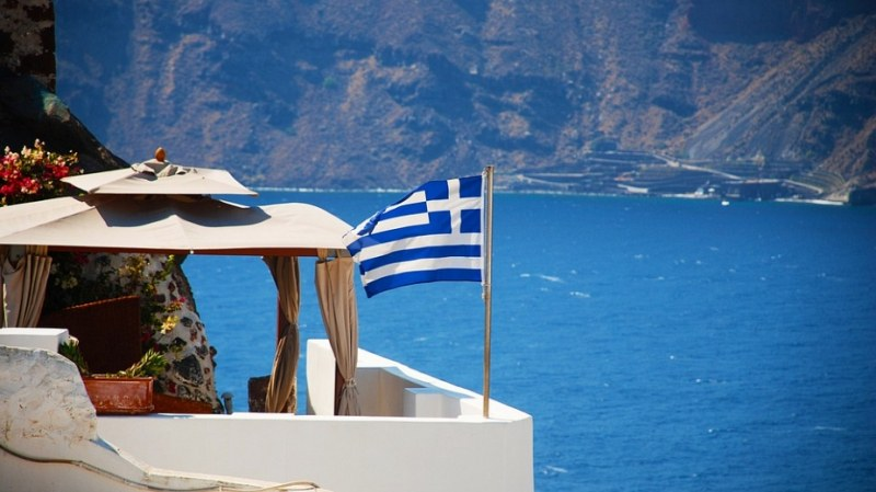 Продължава ръстът на COVID-19 в Гърция
