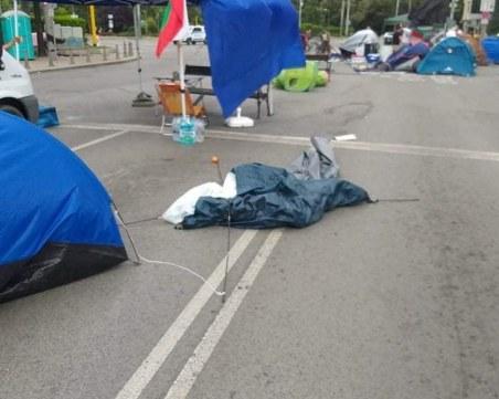 Гладуващият протестър напуснал сам Спешното, от 5 години нямал здравни осигуровки