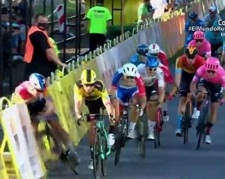 Колоездач се бори за живота си след жестоко падане